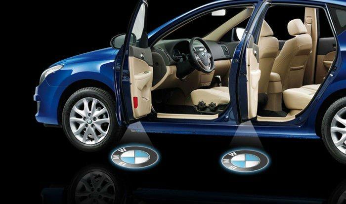 Фотграфия светодиодной автолампы для двери с логотипом